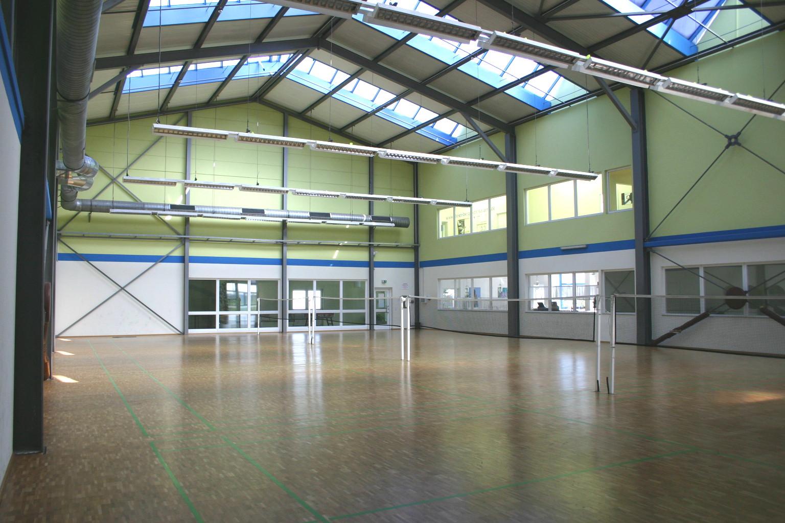 Badminton-Spielfelder des Tröndle Sportcenters